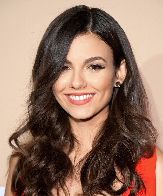 Victoria Justice attends the 2015 CNN Heroes: An All-Star Tribute at the American Museum of Natural History on November 17, 2015 in New York City.