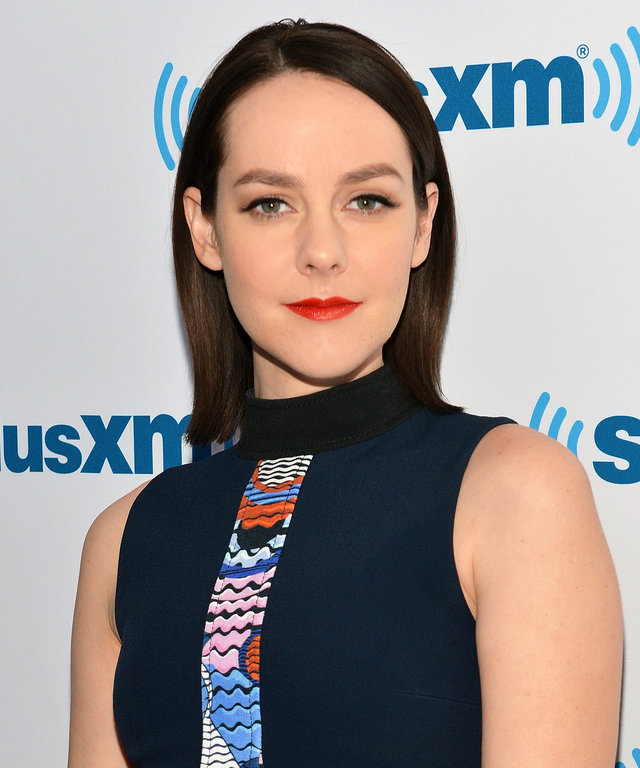 Actress Jena Malone visits SiriusXM Studios on November 23, 2015 in New York City.