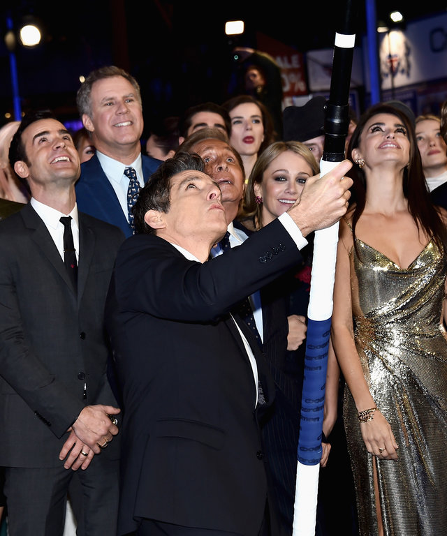Ben Stillera (C) with cast and guests attempt a record breaking selfie during a London Fan Screening of the Paramount Pictures film 'Zoolander No. 2' at the Empire Leicester Square on February 4, 2016 in London, England.