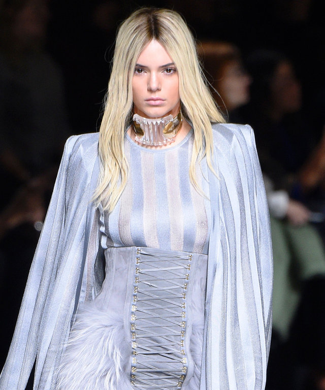 US model Kendall Jenner presents a creation for Balmain during the 2016-2017 fall/winter ready-to-wear collection fashion show on March 3, 2016 in Paris.