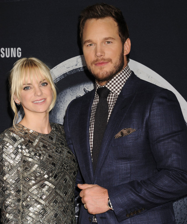 Actress Anna Faris (L) and actor Chris Pratt arrive at the 'Jurassic World' - World Premiere at Dolby Theatre on June 9, 2015 in Hollywood, California.
