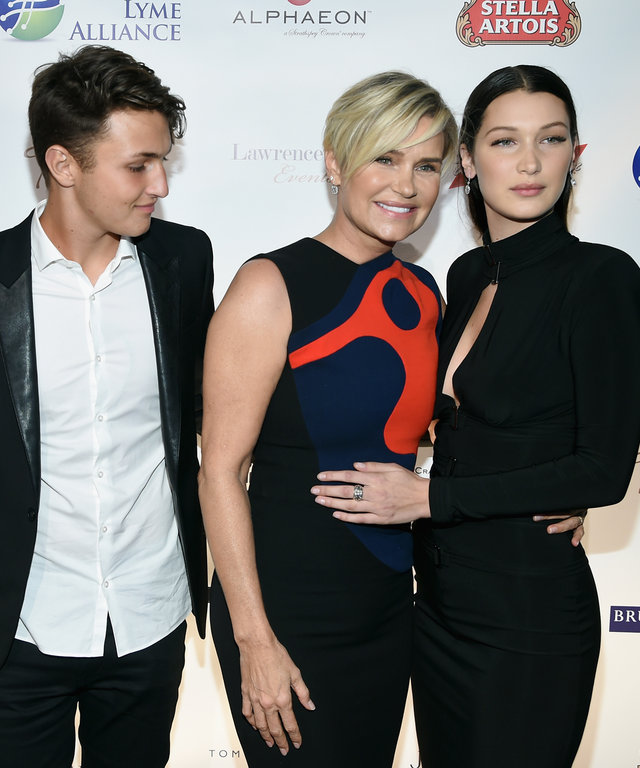 Gigi Hadid, Anwar Hadid, Yolanda Foster and Bella Hadid attend the Global Lyme Alliance 'Uniting for a Lyme-Free World' Inaugural Gala at Cipriani 42nd Street on October 8, 2015 in New York City.
