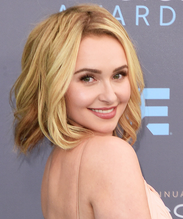 SANTA MONICA, CA - JANUARY 17:  Actress Hayden Panettiere arrives at the The 21st Annual Critics' Choice Awards at Barker Hangar on January 17, 2016 in Santa Monica, California.  (Photo by C Flanigan/Getty Images)