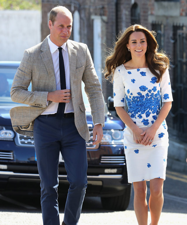 LUTON, ENGLAND - AUGUST 24:  Catherine, Duchess of Cambridge and Prince William, Duke of Cambridge arrive at Youthscape on August 24, 2016 in Luton, England.  (Photo by Chris Jackson/Getty Images)