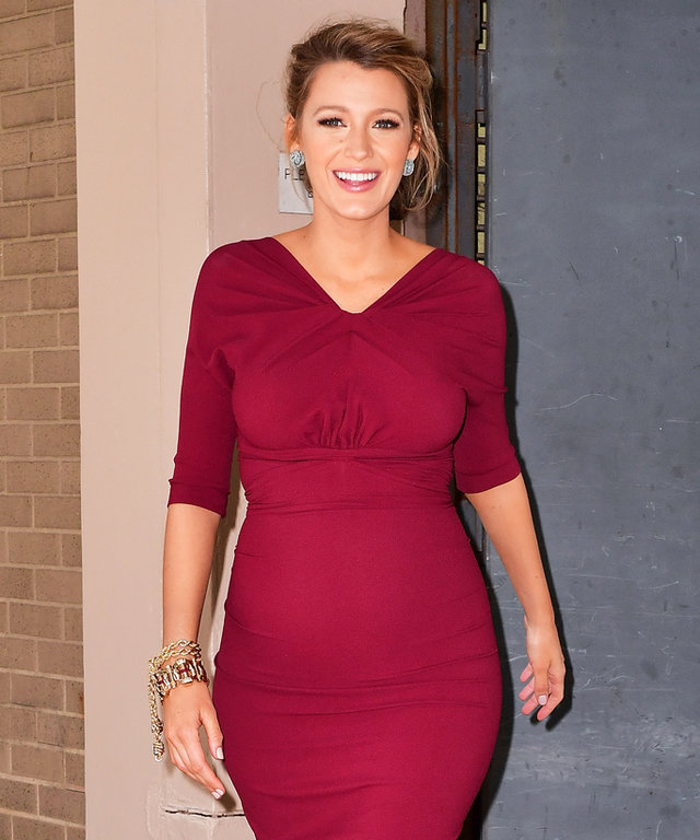 NEW YORK, NY - JUNE 21:  Blake Lively seen on the streets of Manhattan on June 21, 2016 in New York City.  (Photo by James Devaney/GC Images)