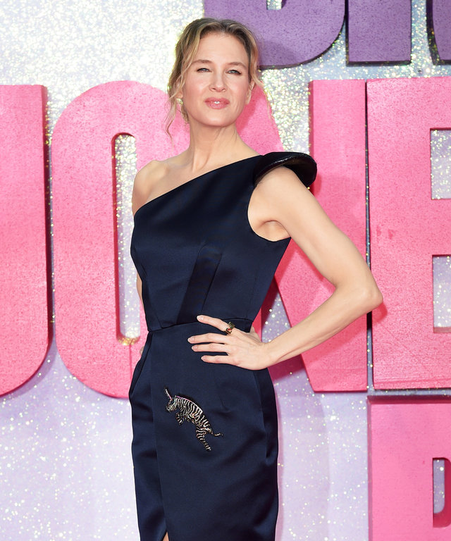 """LONDON, ENGLAND - SEPTEMBER 05:  Renee Zellweger arrives for the World premiere of  """"Bridget Jones's Baby"""" at Odeon Leicester Square on September 5, 2016 in London, England.  (Photo by Karwai Tang/WireImage)"""