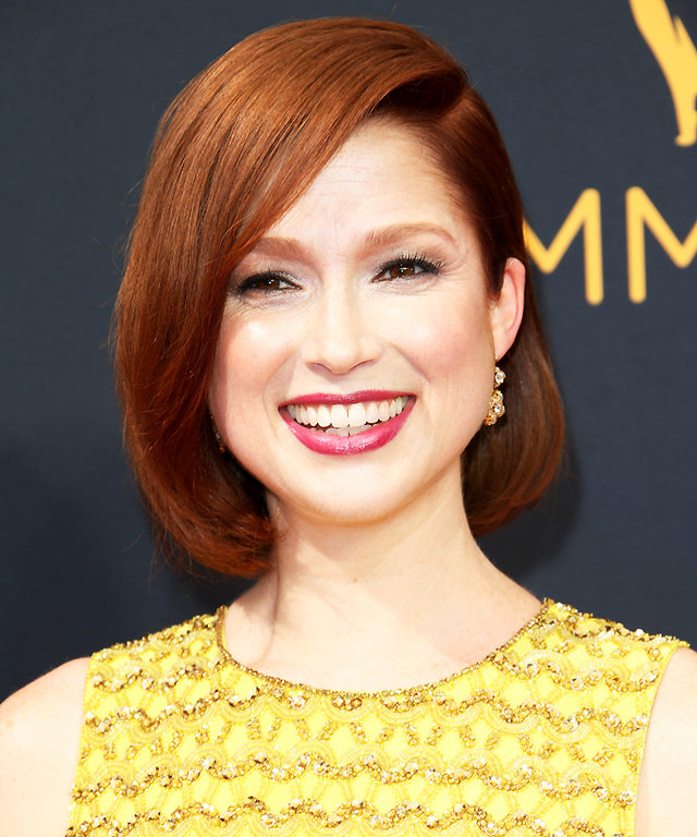 LOS ANGELES, CA - SEPTEMBER 18:  Actress Ellie Kemper attends the 68th Annual Primetime Emmy Awards at Microsoft Theater on September 18, 2016 in Los Angeles, California.  (Photo by Kevin Mazur/WireImage)