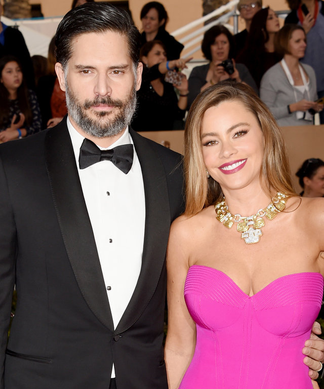Joe Manganiello (L) and actress Sofia Vergara