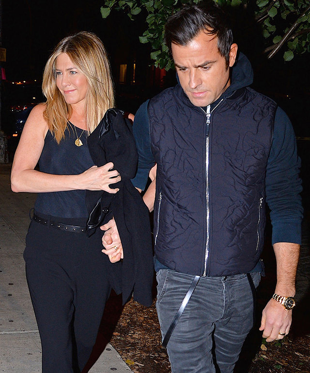 Jennifer Aniston and Justin Theroux Look Totally in Love on Date Night