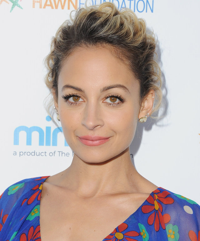Nicole Richie's Disco Beauty Look Is Your Next Halloween Costume