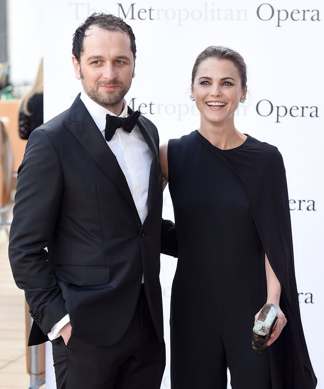 """NEW YORK, NY - SEPTEMBER 26:  Matthew Rhys and Keri Russell attend the Met Opera 2016-2017 Season Opening Performance of """"Tristan Und Isolde"""" at The Metropolitan Opera House on September 26, 2016 in New York City.  (Photo by Nicholas Hunt/Getty Images)"""