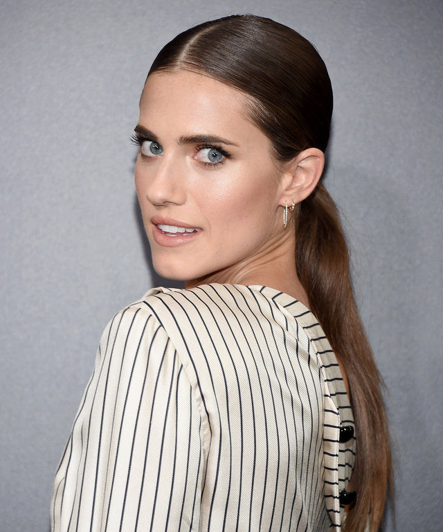 NEW YORK, NY - SEPTEMBER 06:  Allison Williams attends the  Sully  New York Premiere at Alice Tully Hall on September 6, 2016 in New York City.  (Photo by Michael Loccisano/Getty Images)