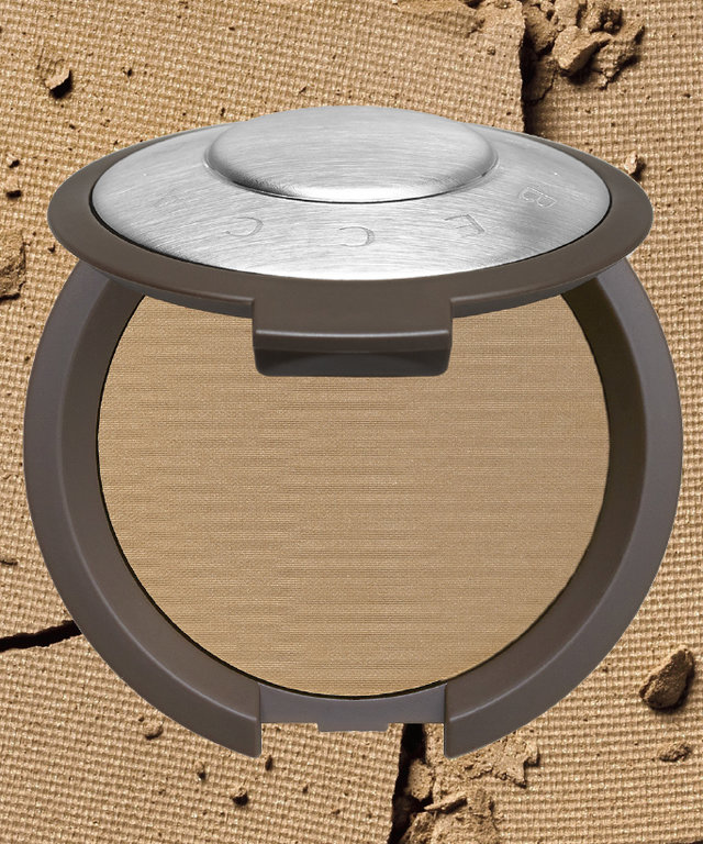 Want a Glow So Good? Becca's Powder Foundation Is Your Answer