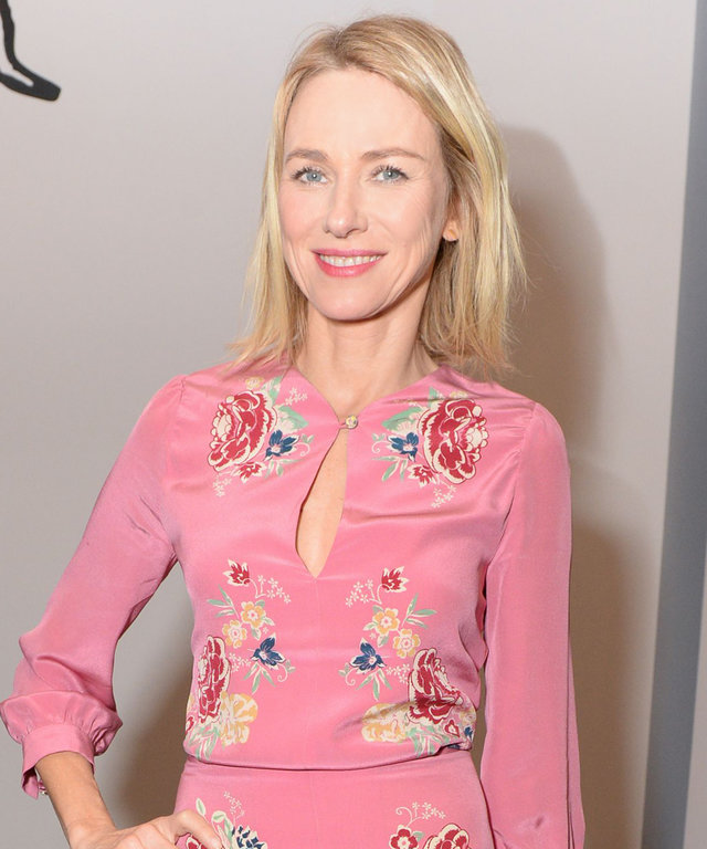 Naomi Watts Gives Us a Lesson in Art Appreciation with Her Sweet Pink Floral Frock