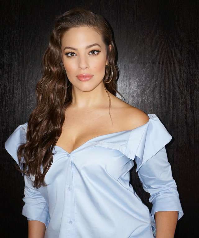 "How to Get Ashley Graham's ""Salt Water Waves"" Without Actual Salt Water"