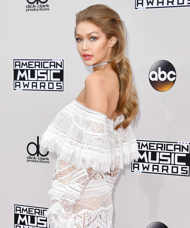 Model Gigi Hadid attends the 2016 American Music Awards at Microsoft Theater on November 20, 2016 in Los Angeles, California.