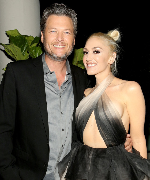Recording artists Blake Shelton (L) and Gwen Stefani attend Glamour Women of the Year 2016 Dinner at Paley on November 14, 2016 in Hollywood, California.