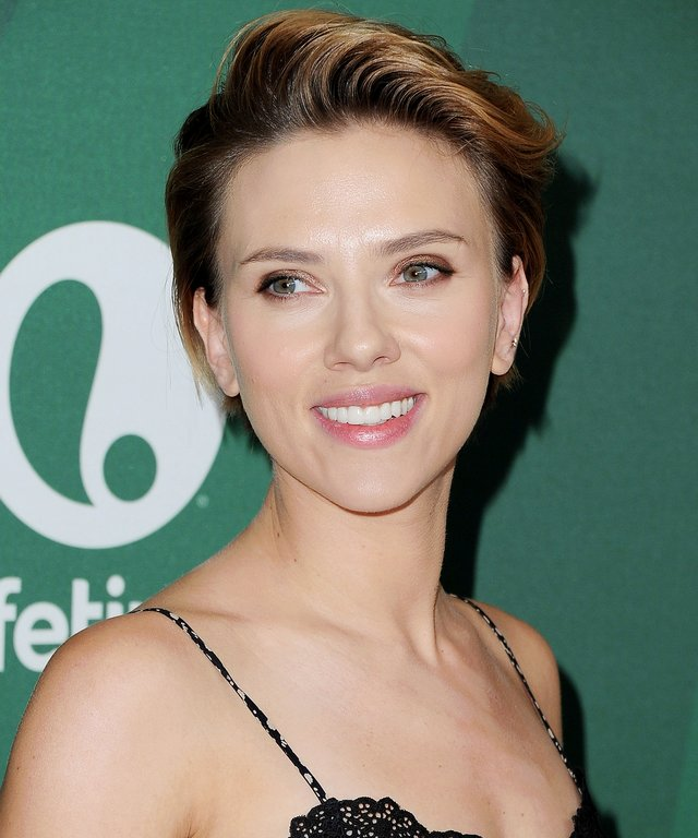 Scarlett Johansson Wants to Be a Disney Princess Just Like We Do