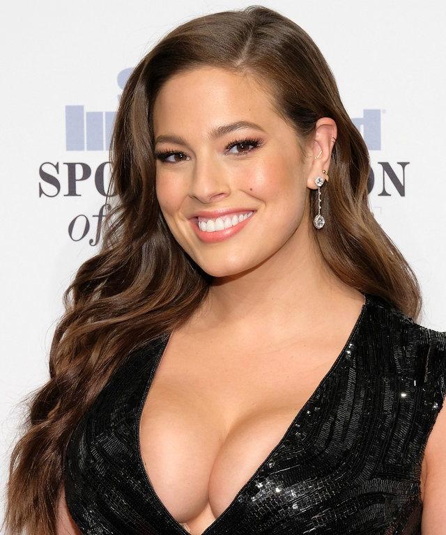 Ashley Graham attends the 2016 Sports Illustrated Sportsperson of the Year at Barclays Center of Brooklyn on December 12, 2016 in the Brooklyn borough of New York City.