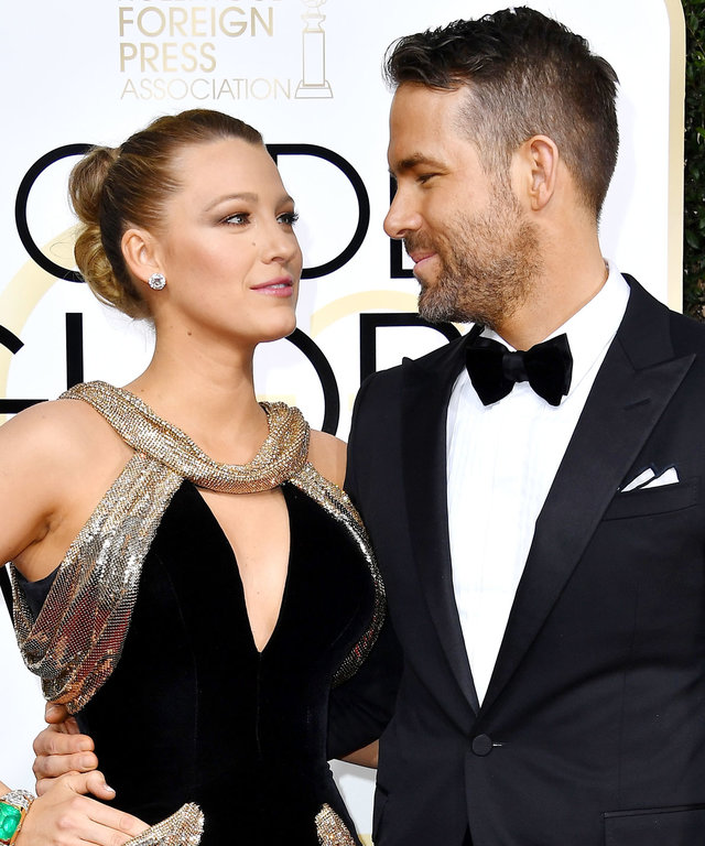 BEVERLY HILLS, CA - JANUARY 08:  Actress Blake Lively (L) and actor Ryan Reynolds attend the 74th Annual Golden Globe Awards at The Beverly Hilton Hotel on January 8, 2017 in Beverly Hills, California.  (Photo by Steve Granitz/WireImage)