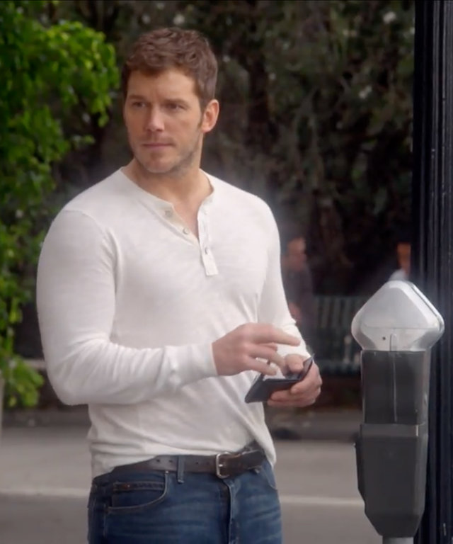 A Sneak Peek of Chris Pratt & Anna Faris's Adorably Awkward Mom Scene
