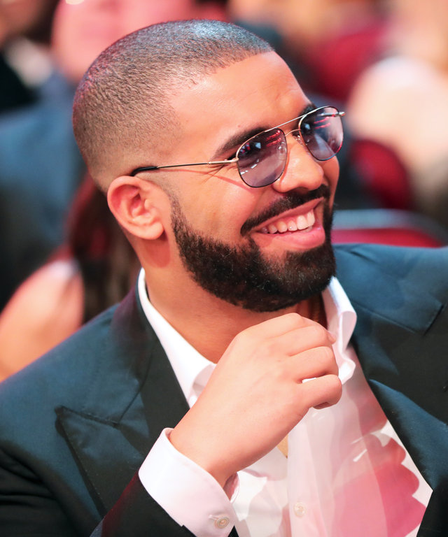 LOS ANGELES, CA - NOVEMBER 20:  Drake attends the 2016 American Music Awards  at Microsoft Theater on November 20, 2016 in Los Angeles, California.  (Photo by Christopher Polk/AMA2016/Getty Images for dcp)