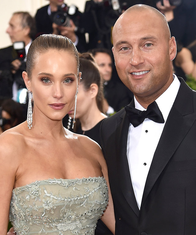 NEW YORK, NY - MAY 02:   Hannah Davis and Derek Jeter attend the 'Manus x Machina: Fashion In An Age Of Technology' Costume Institute Gala at Metropolitan Museum of Art on May 2, 2016 in New York City.  (Photo by Dimitrios Kambouris/Getty Images)
