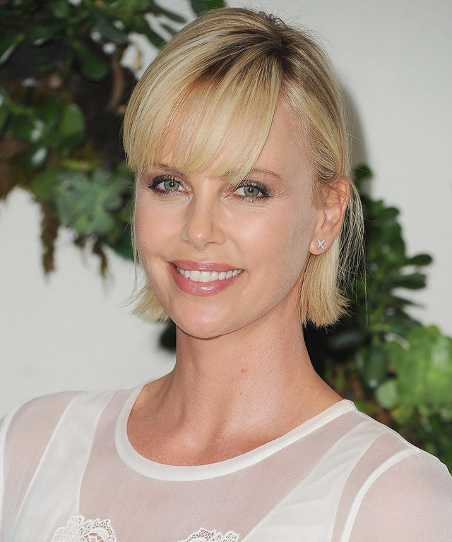 Charlize Theron Asks: What to Wear to the Oscars?