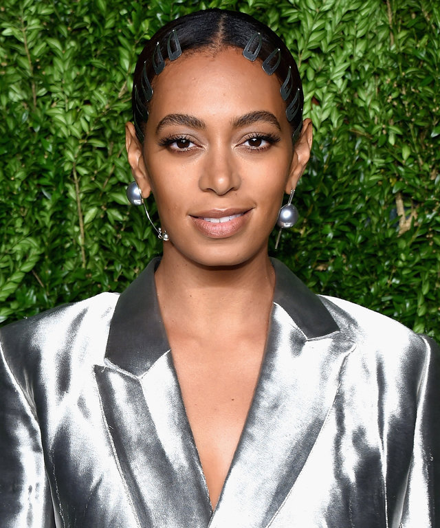 Solange Knowles attends 13th Annual CFDA/Vogue Fashion Fund Awards at Spring Studios on November 7, 2016 in New York City.