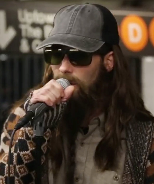 Adam Levine Subway Performance