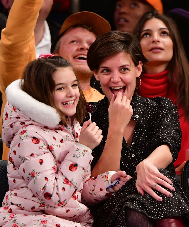Suri Cruise and Katie Holmes at the Knicks game