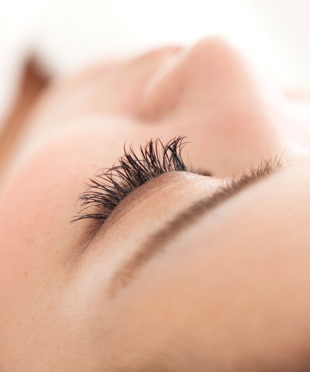 c1a378e5f44 Eyelash Extensions Pros and Cons: Everything You Need to Know | InStyle.com