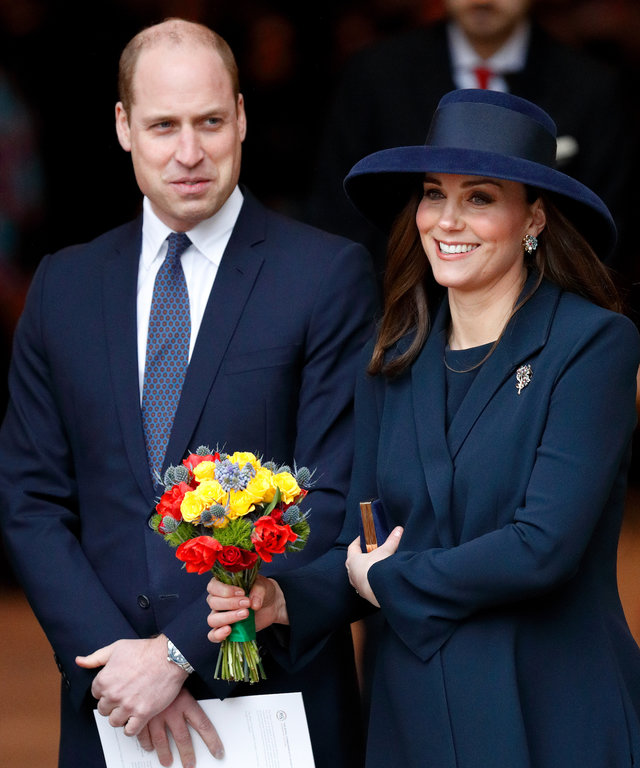 Kate Middleton leaves hospital lead