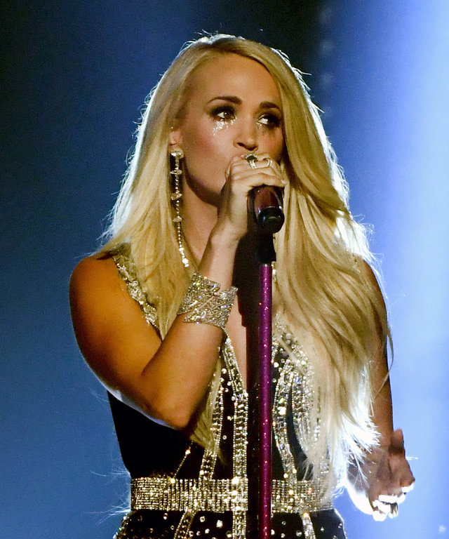 Carrie Underwood ACM performance lead