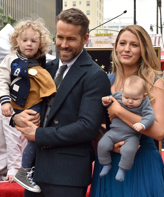 Blake Lively Ryan Reynolds lead