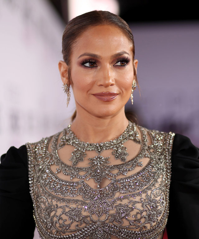 Jennifer Lopez lead