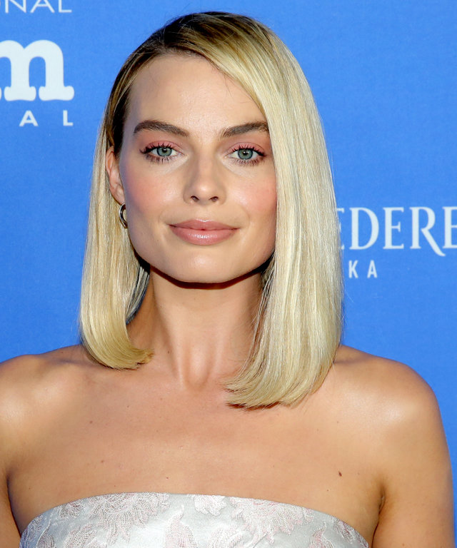 Margot Robbie wears Marc Jacobs Beauty Lipstick