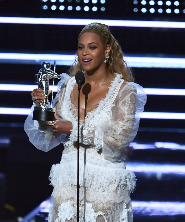 Beyonce 2016 MTV Video Music Awards