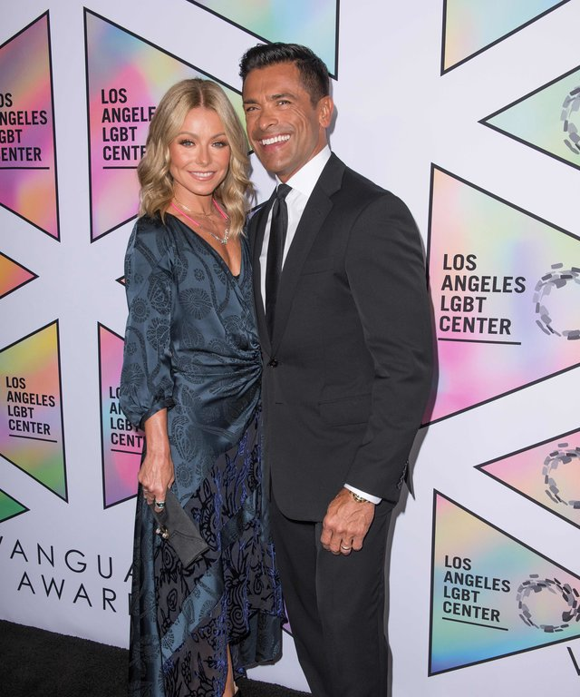 Kelly Ripa Mark Consuelos Gender LGBT Vanguard Awards