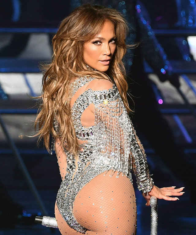 Jennifer Lopez twerking lead