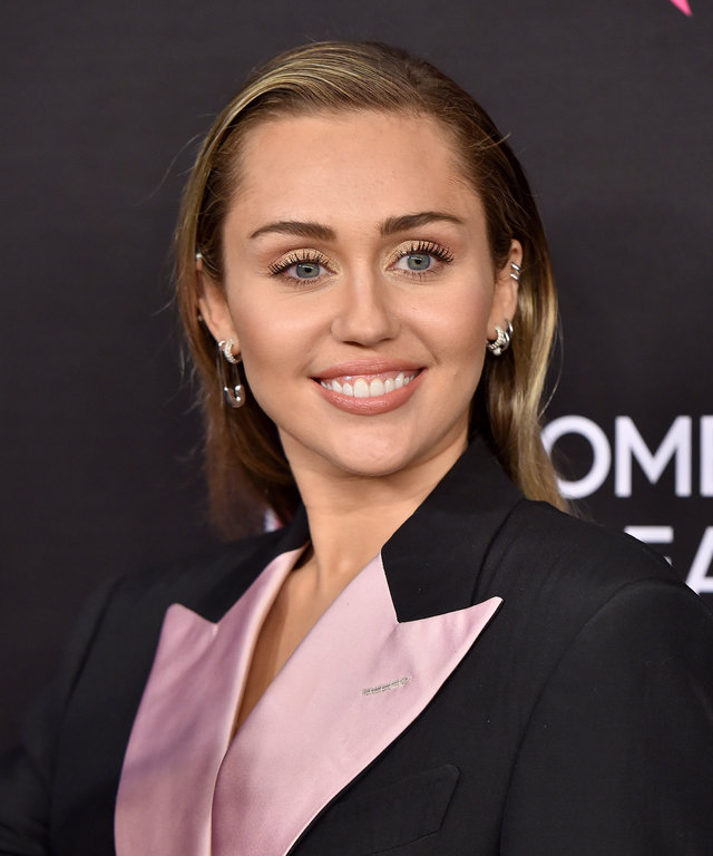 Miley Cyrus The Women's Cancer Research Fund's An Unforgettable Evening Benefit Gala - Arrivals