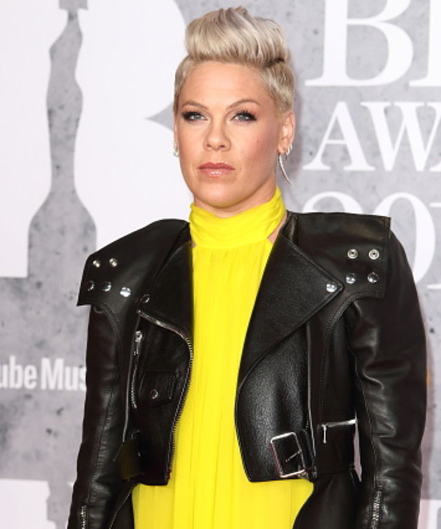LONDON, -, UNITED KINGDOM - 2019/02/20: Pink seen on the red carpet during The BRIT Awards 2019 at The O2, Peninsula Square in London. (Photo by Keith Mayhew/SOPA Images/LightRocket via Getty Images)