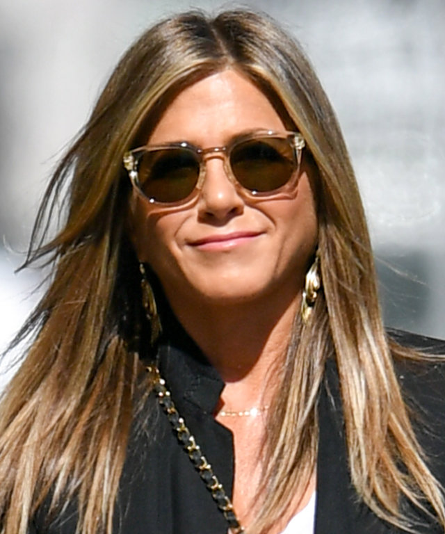 Jennifer Aniston Wears White Pants | InStyle com