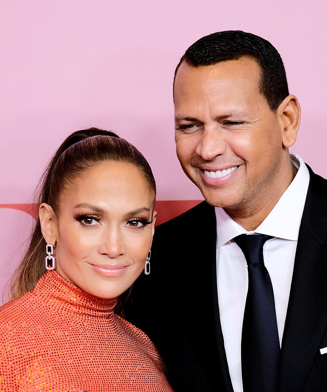 NEW YORK, NEW YORK - JUNE 03: Jennifer Lopez poses with the Fashion Icon Award and Alex Rodriguez during Winners Walk during the CFDA Fashion Awards at the Brooklyn Museum of Art on June 03, 2019 in New York City. (Photo by Dimitrios Kambouris/Getty...