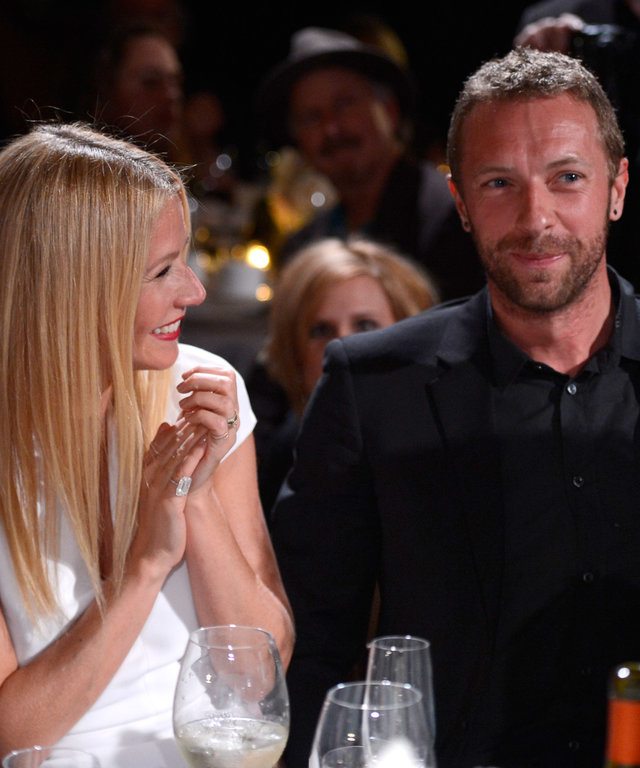 BEVERLY HILLS, CA - JANUARY 11:  Gwyneth Paltrow and Chris Martin attend the 3rd annual Sean Penn & Friends HELP HAITI HOME Gala benefiting J/P HRO presented by Giorgio Armani at Montage Beverly Hills on January 11, 2014 in Beverly Hills, California.  ...