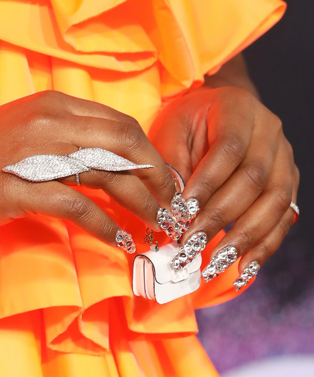 Lizzo Manicure 2019 American Music Awards