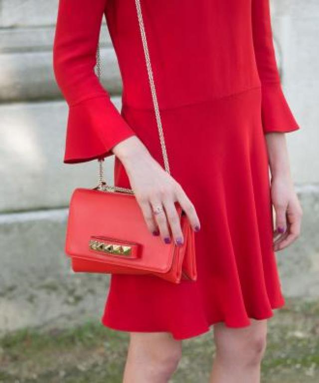 Red accessoires