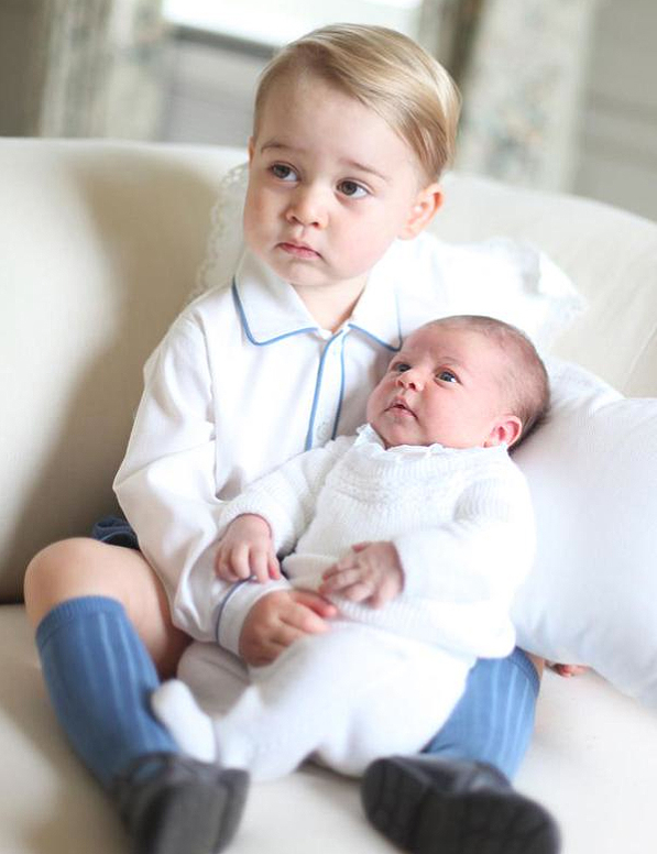 <p>Princess Charlotte Gets Serious With Prince George</p>