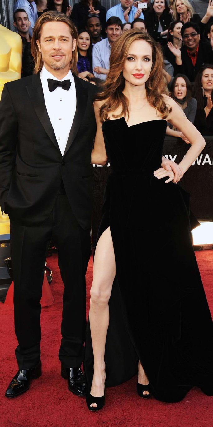 Happy 2-Year Wedding Anniversary, Brad and Angelina! See Their Best Couple Photos