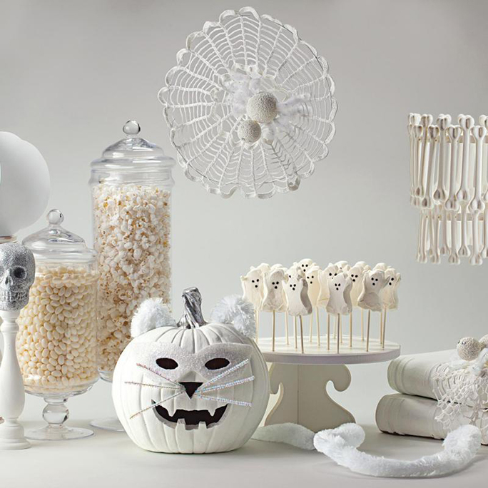 From Delightful DIYs to Best Buys: 12Spooky-Chic Halloween Décor Ideas